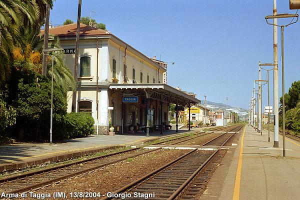 Stazione Arma di Taggia vecchia ferrovia san lorenzo ospedaletti pista ciclabile