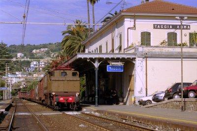 Stazione arma vecchia ferrovia san lorenzo ospedaletti pista ciclabile