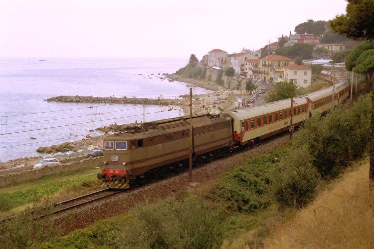 Bussana vecchia ferrovia san lorenzo ospedaletti pista ciclabile