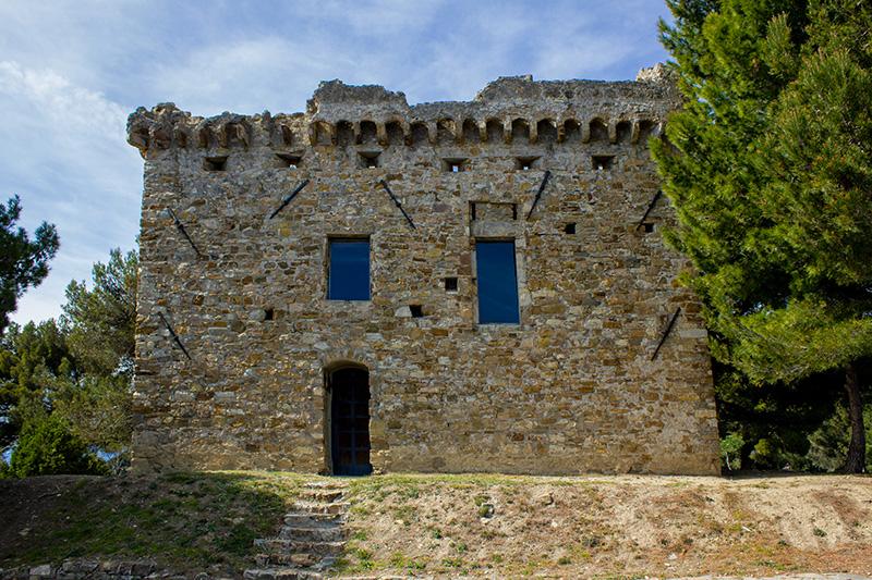 Trekking: Cipressa and Torre Gallinaro